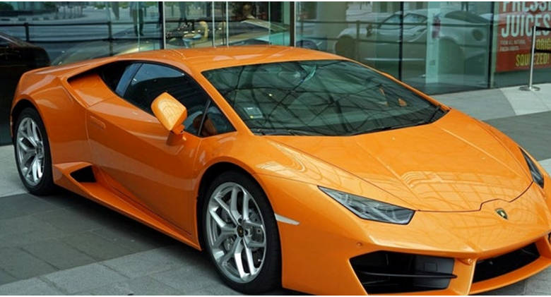 Photo of What makes people depend on Luxury car rental services a lot?